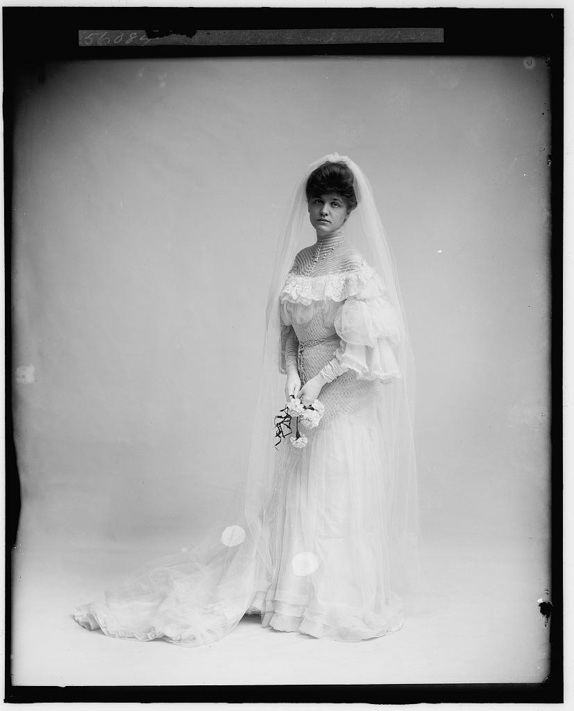 wedding dress, 1905